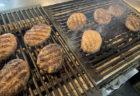 [犇亭 ひしめき亭]4月7日オープンした熟成牛超粗挽き炭火焼きハンバーグの店です。