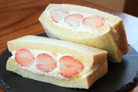 イロドリ イチゴサンド